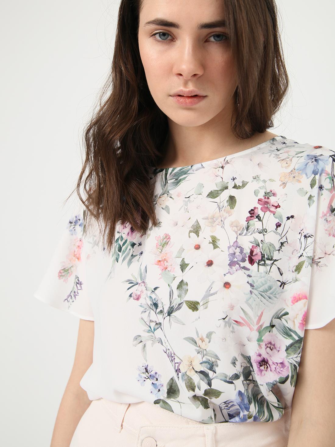 Укороченная блузка с растительным принтом
