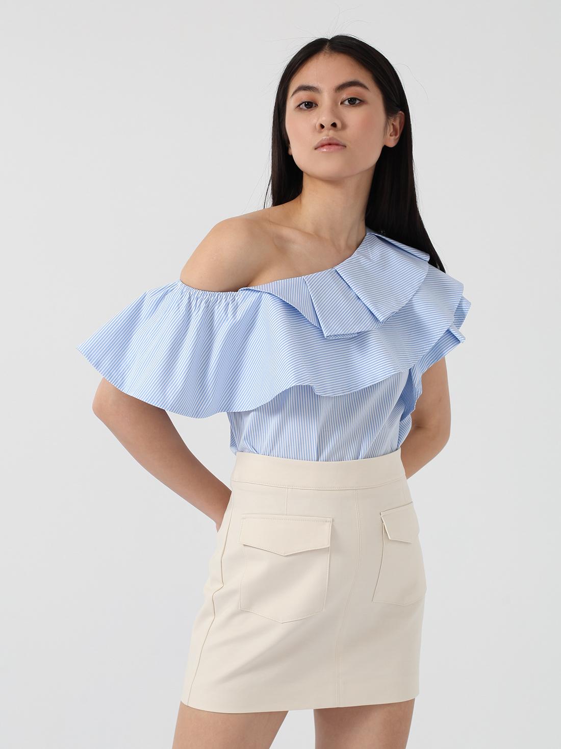 Блузка на одно плечо