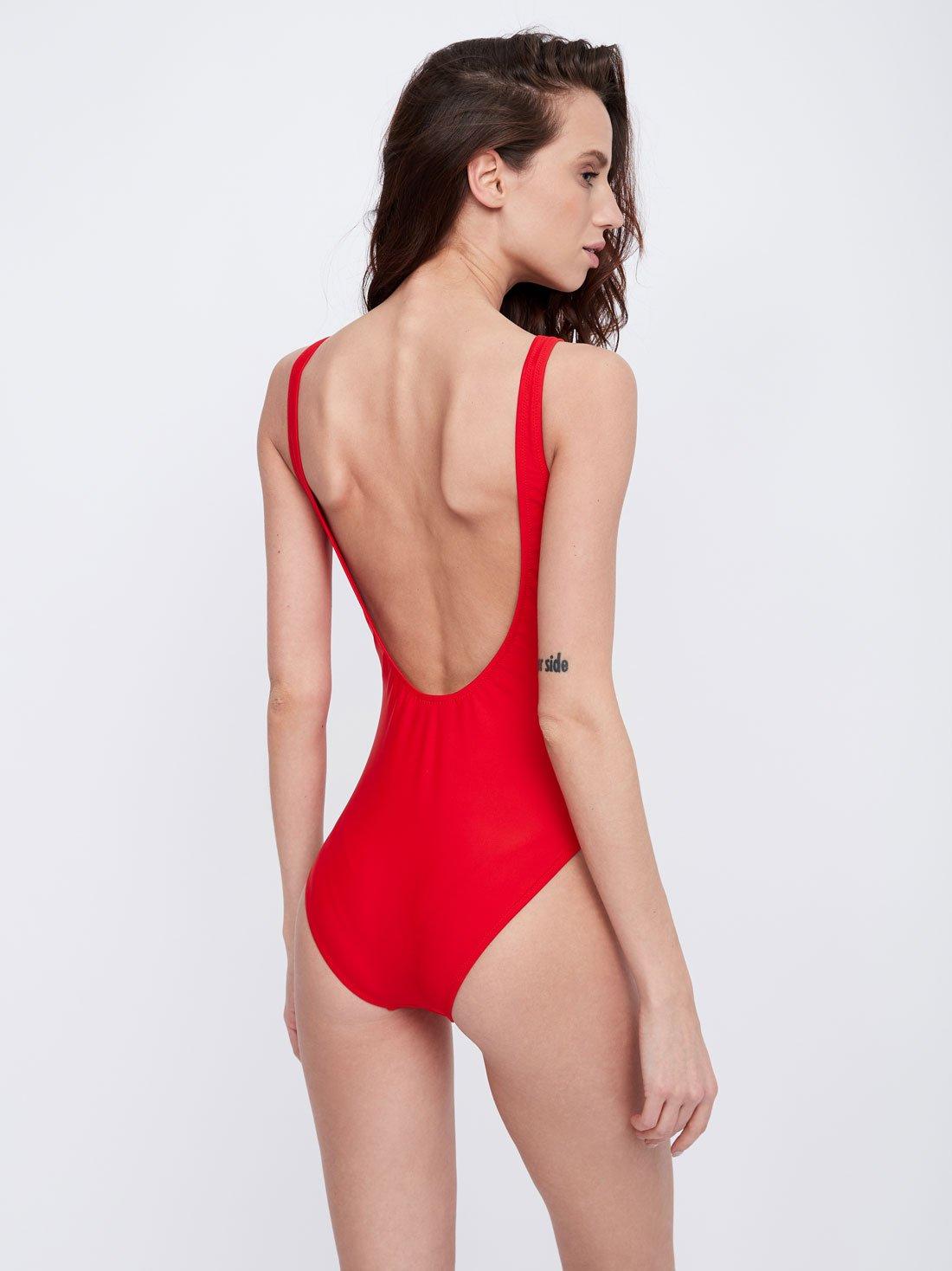 Слитный купальник с круглым вырезом на спинке