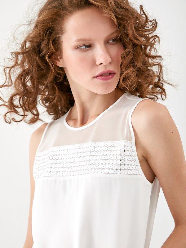 Блузка с пайетками и декоративной сеткой цвет: молочный