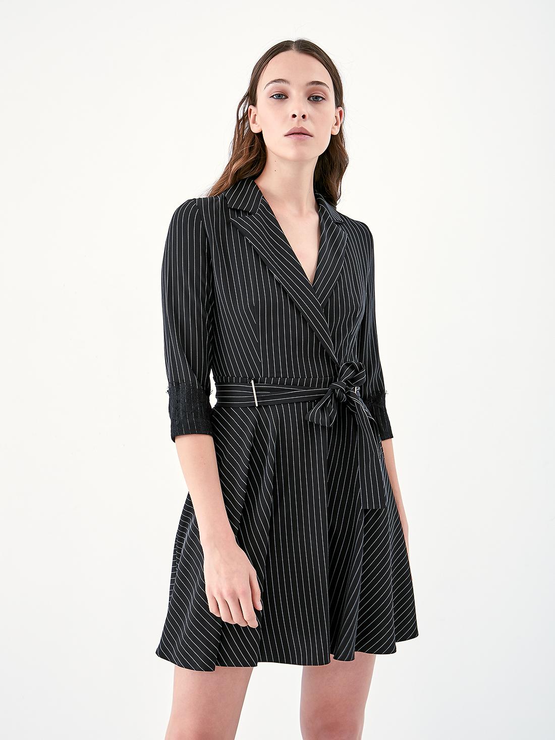 Платье в тонкую полоску