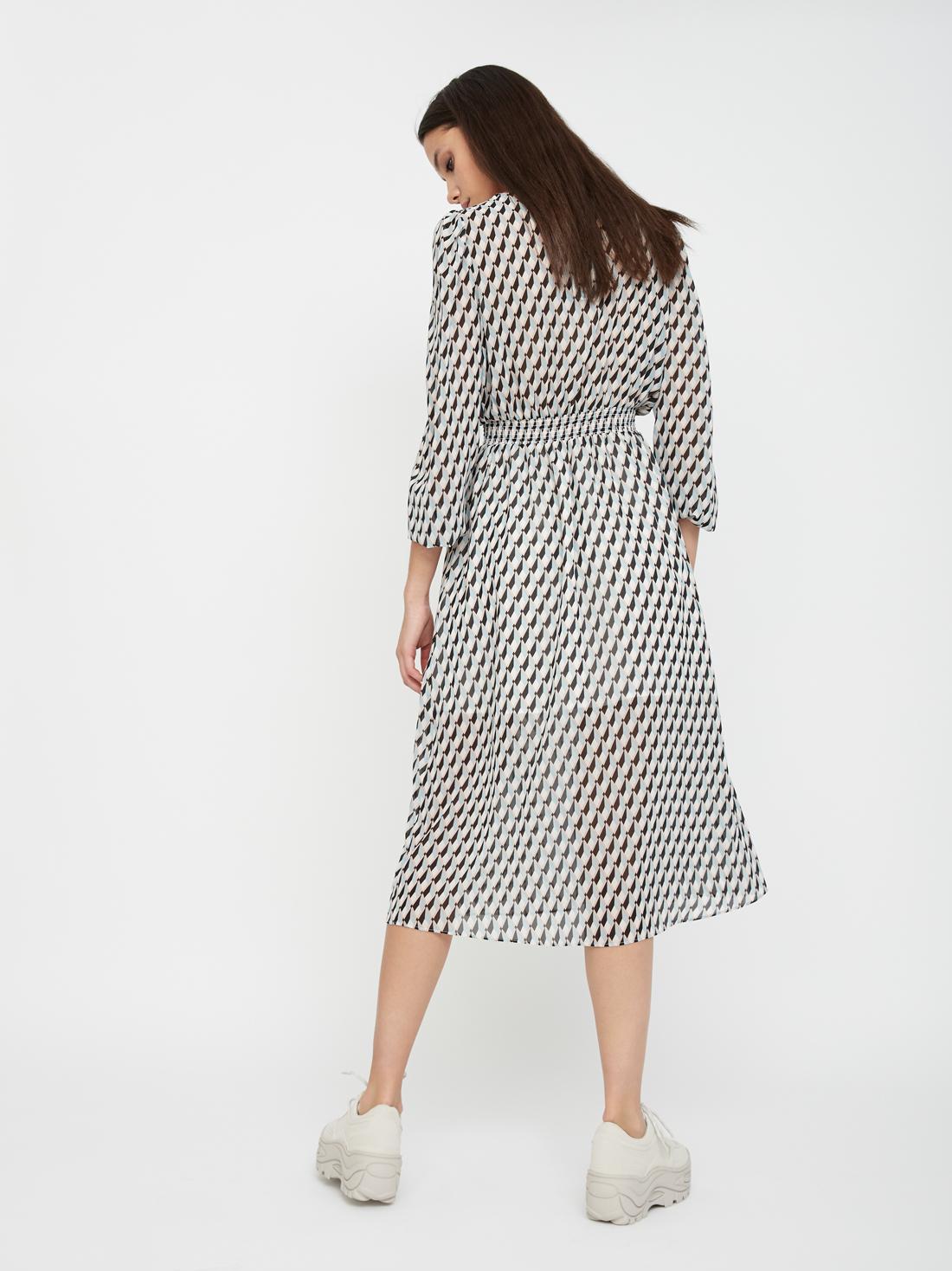 Платье с эластичным поясом