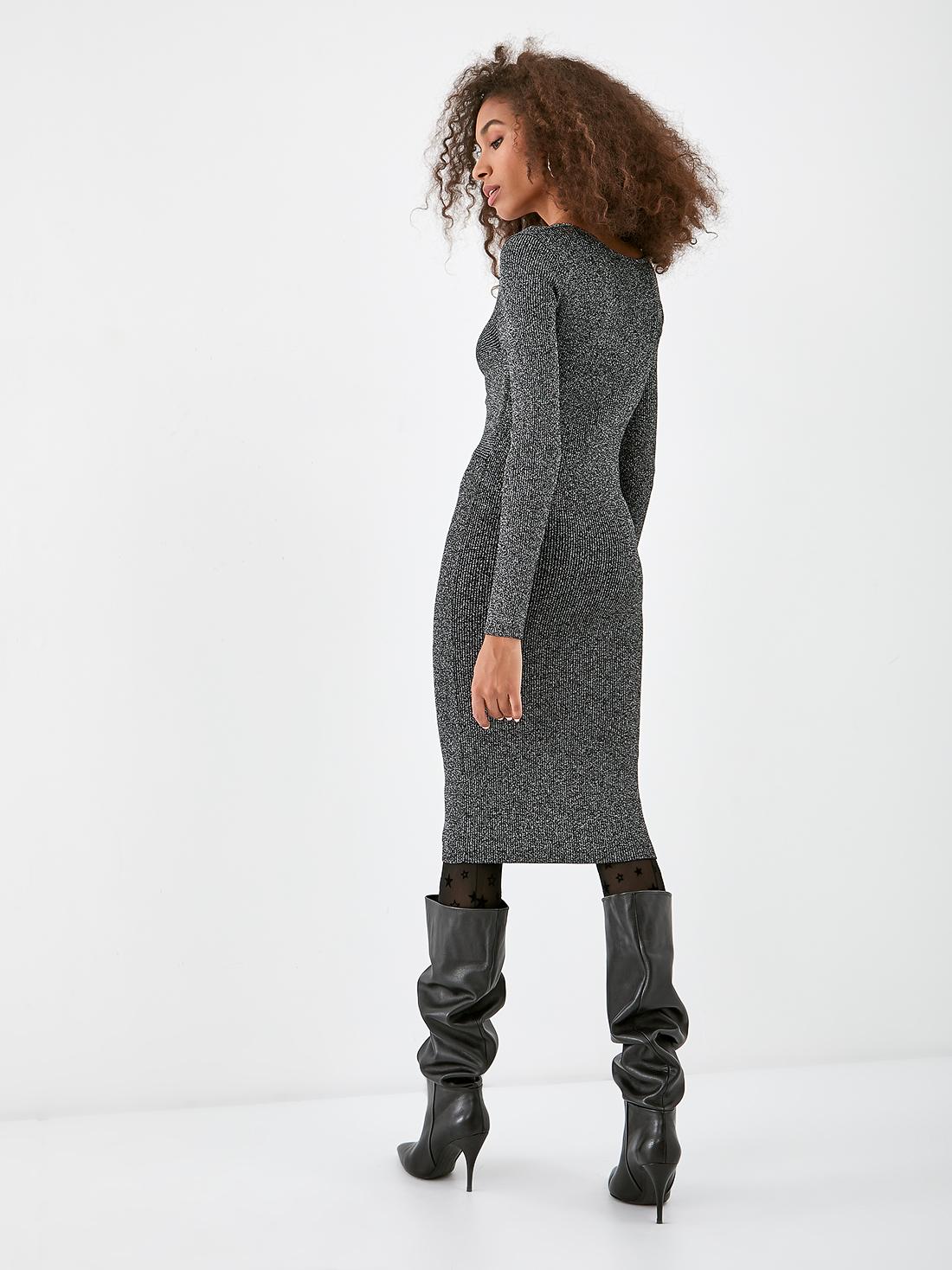 Платье из рифленого трикотажа