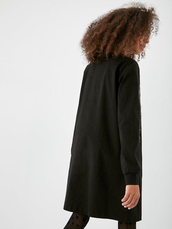 Платье с бахромой из бусин вид сзади