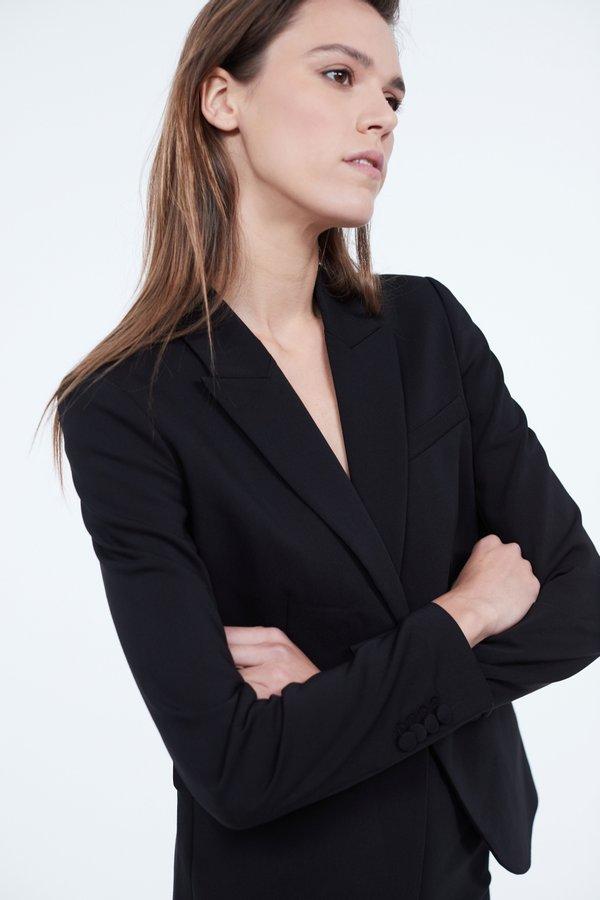 Классический приталенный жакет цвет: черный