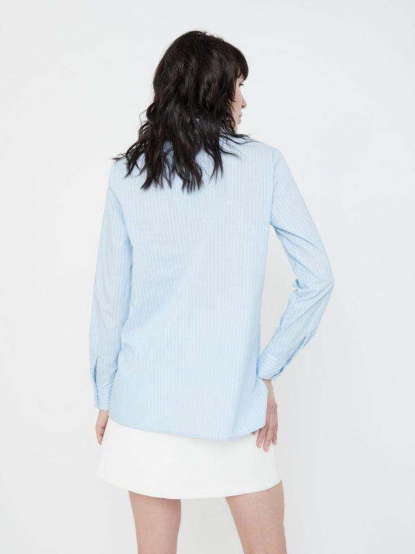 Блузка с двойным отложным воротником вид сзади