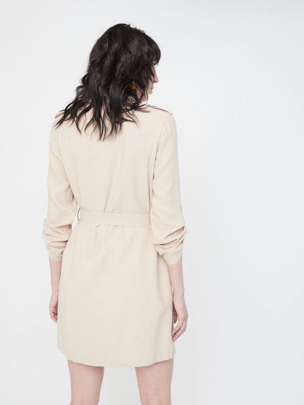 Платье с боковыми разрезами вид сзади
