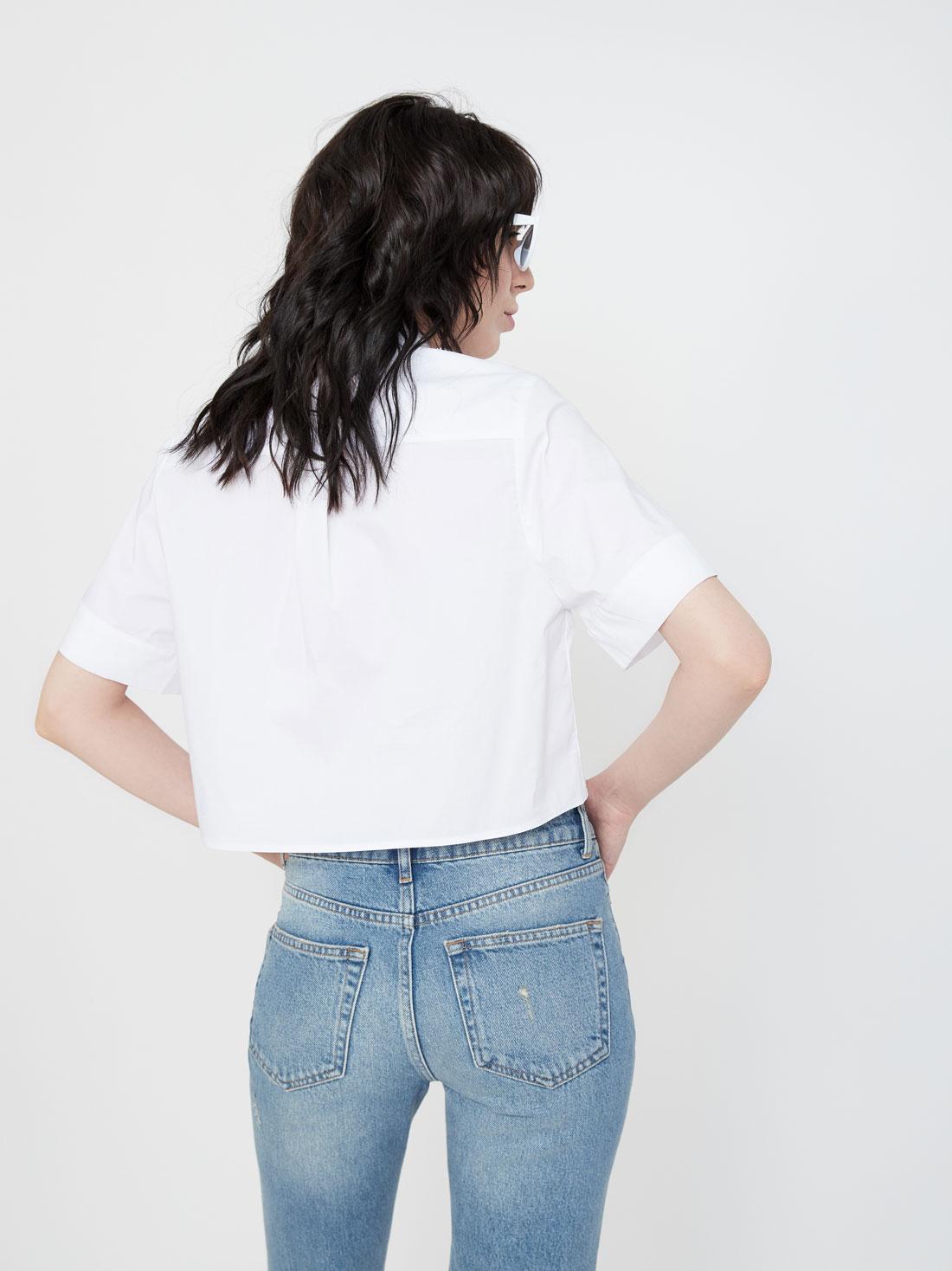 Укороченная рубашка с коротким рукавом