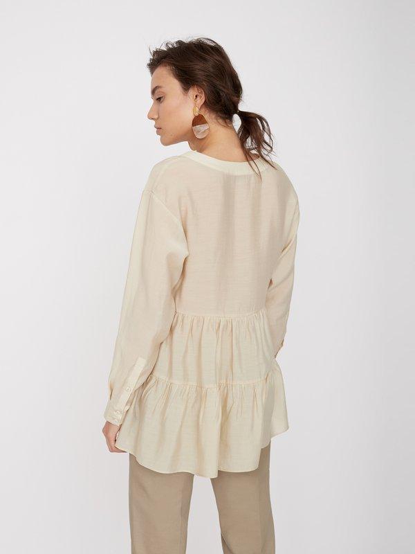 Блузка А-силуэта вид сзади