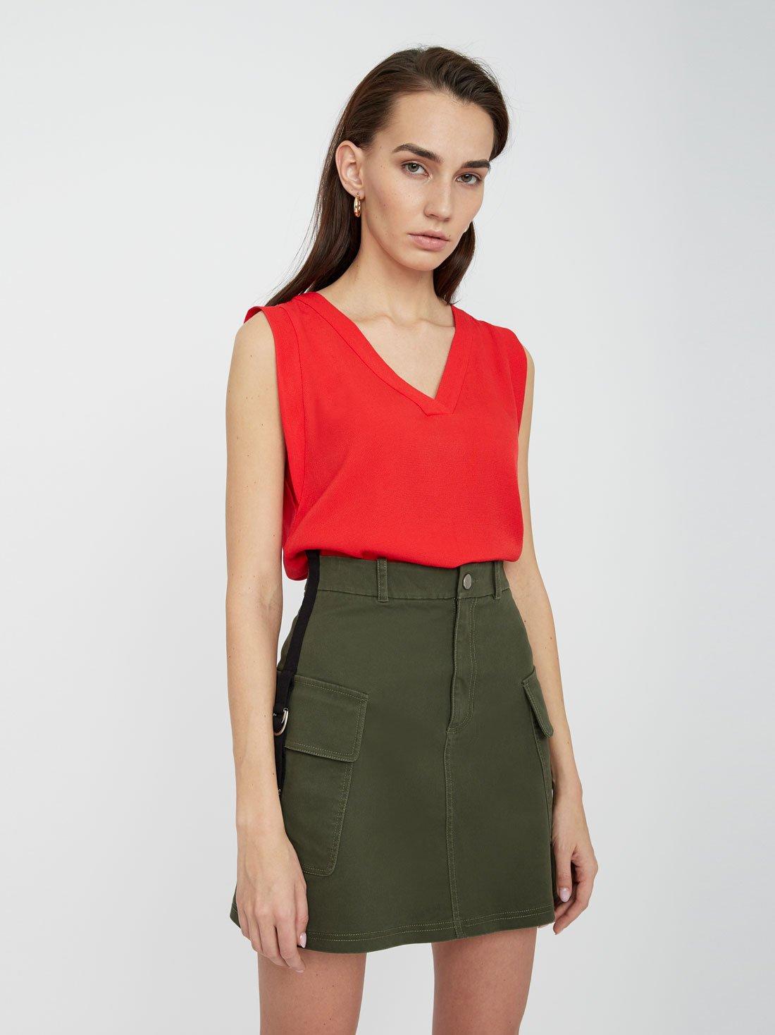 Блузка с асимметричным низом
