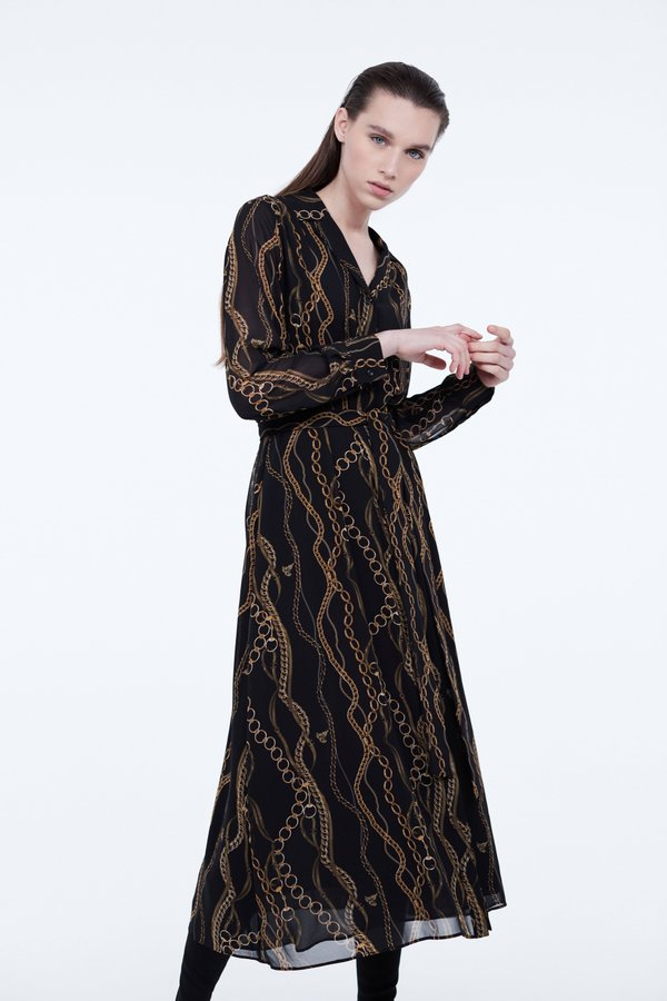 Платье прилегающего силуэта цвет: черный