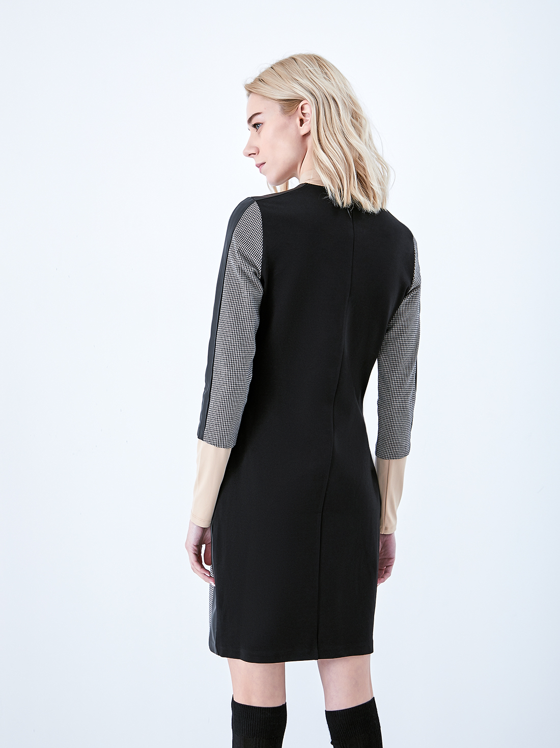 Платье-футляр на молнии