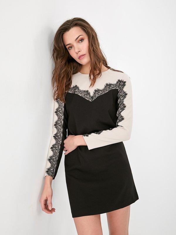 Комбинированное платье с кружевом