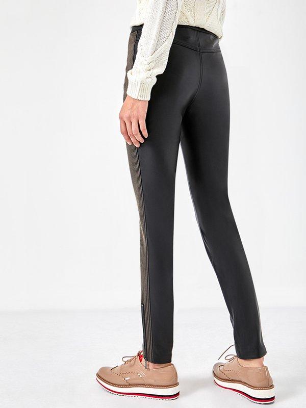 Кожаные брюки с отстрочкой  вид сзади