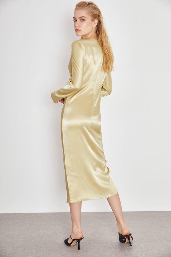 Платье из гладкой ткани вид сзади