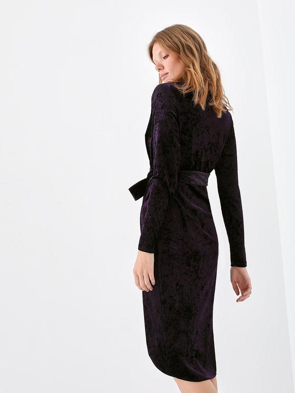 Платье из бархата вид сзади