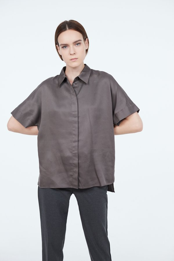Рубашка в стиле оверсайз