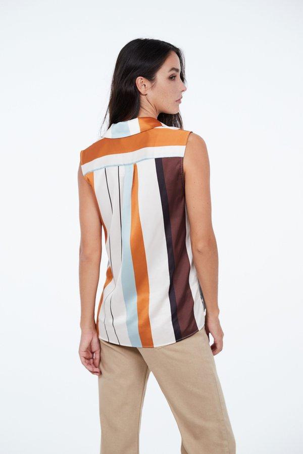 Рубашка без рукавов вид сзади