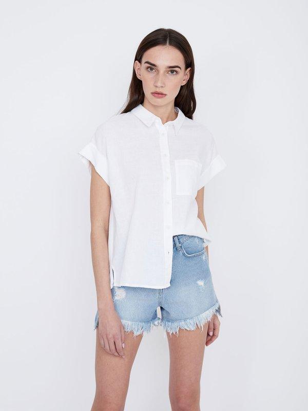 Рубашка с разрезом на спинке