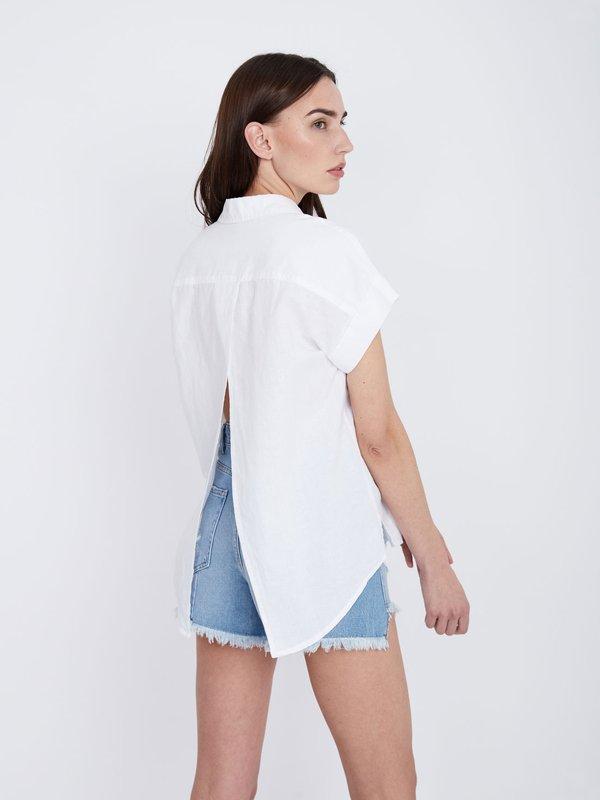 Рубашка с разрезом на спинке вид сзади