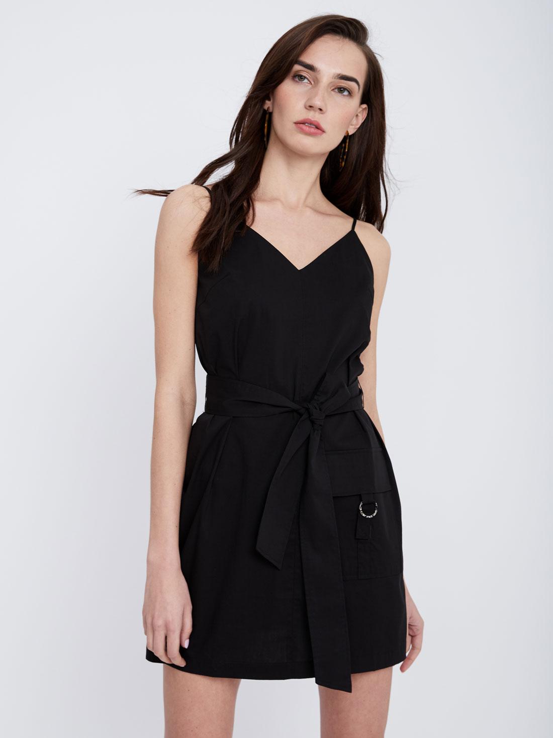Платье-мини на тонких бретелях