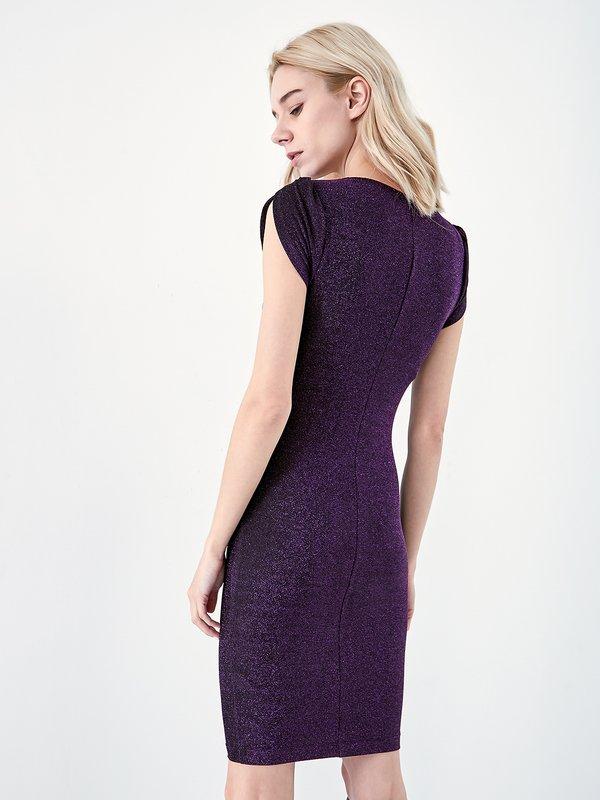 Платье с короткими рукавами вид сзади