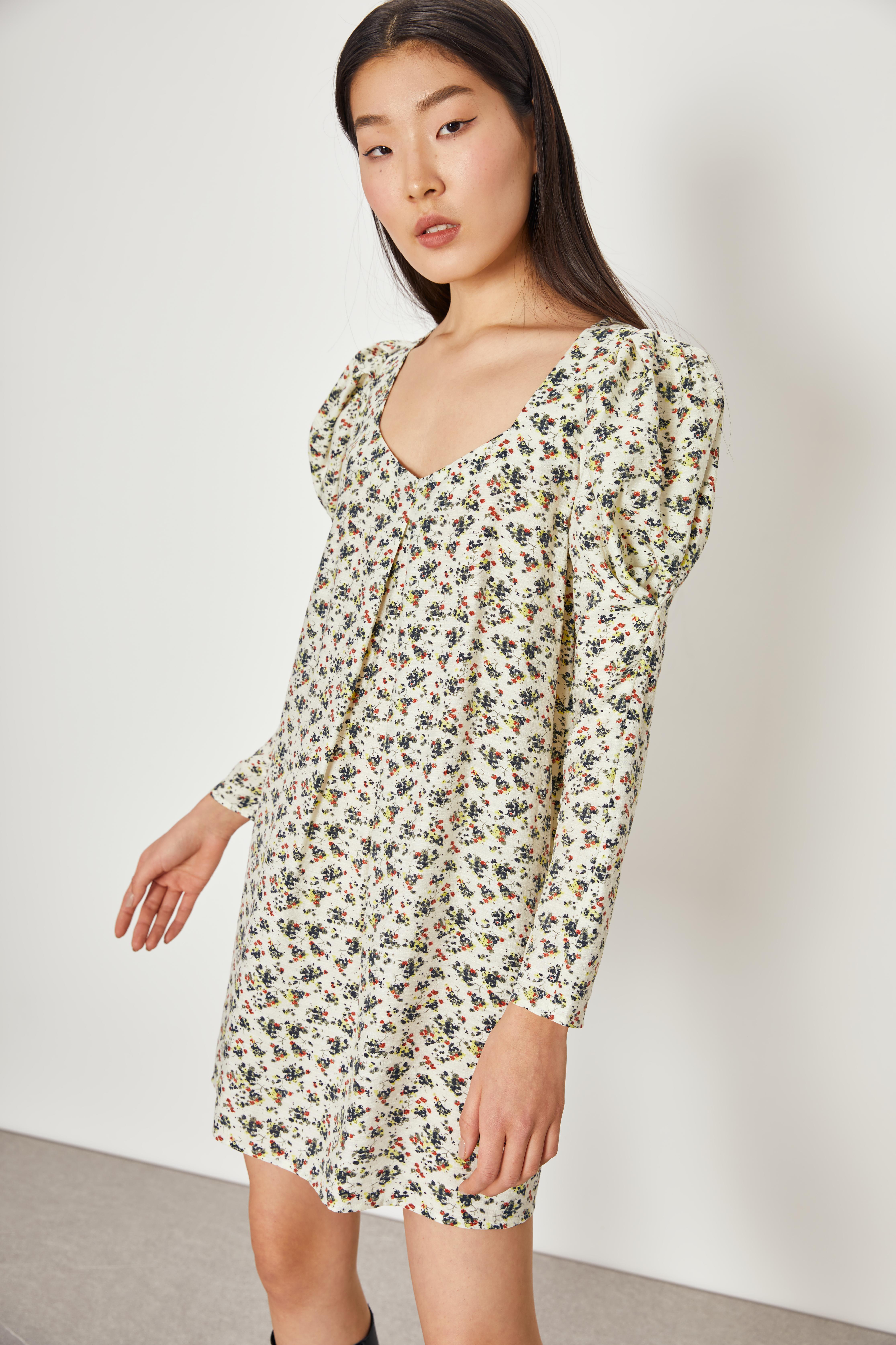 Платье с объемными рукавами LIME