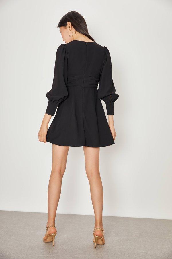 Платье с драпировкой вид сзади