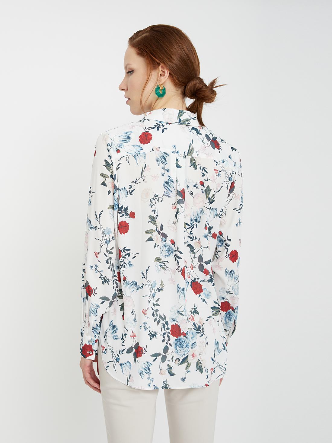 Рубашка с нагрудными карманами