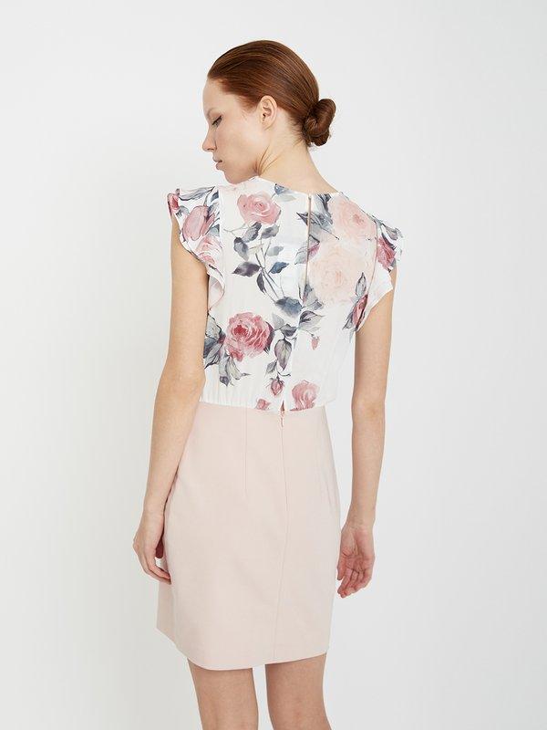 Платье с разрезом на спине вид сзади