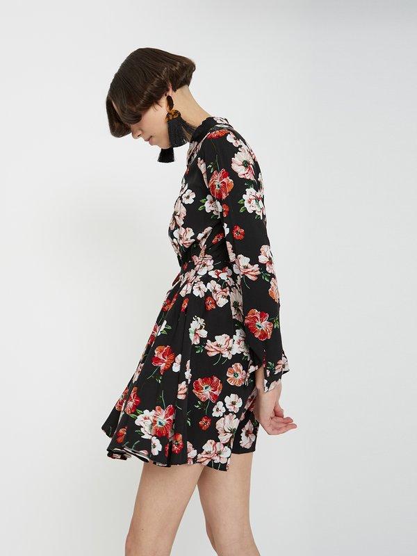 Платье с отложным воротником цвет: черный с цветами