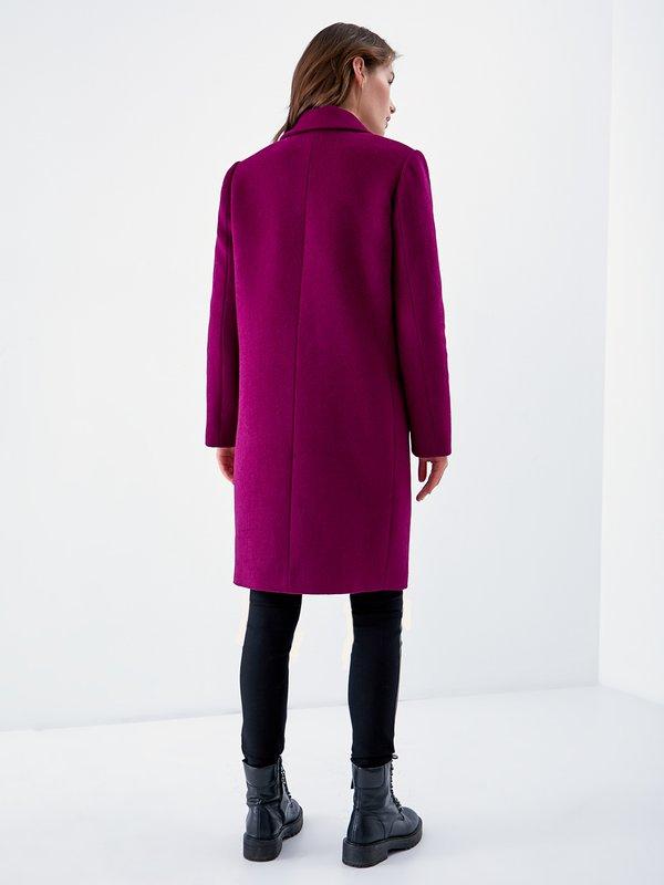 Пальто прямого кроя вид сзади