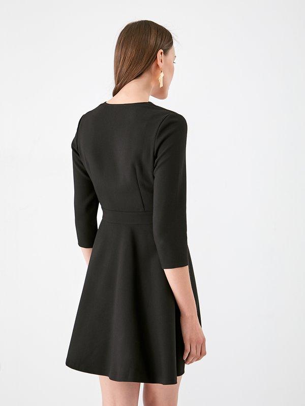 Платье с лифон на запах вид сзади
