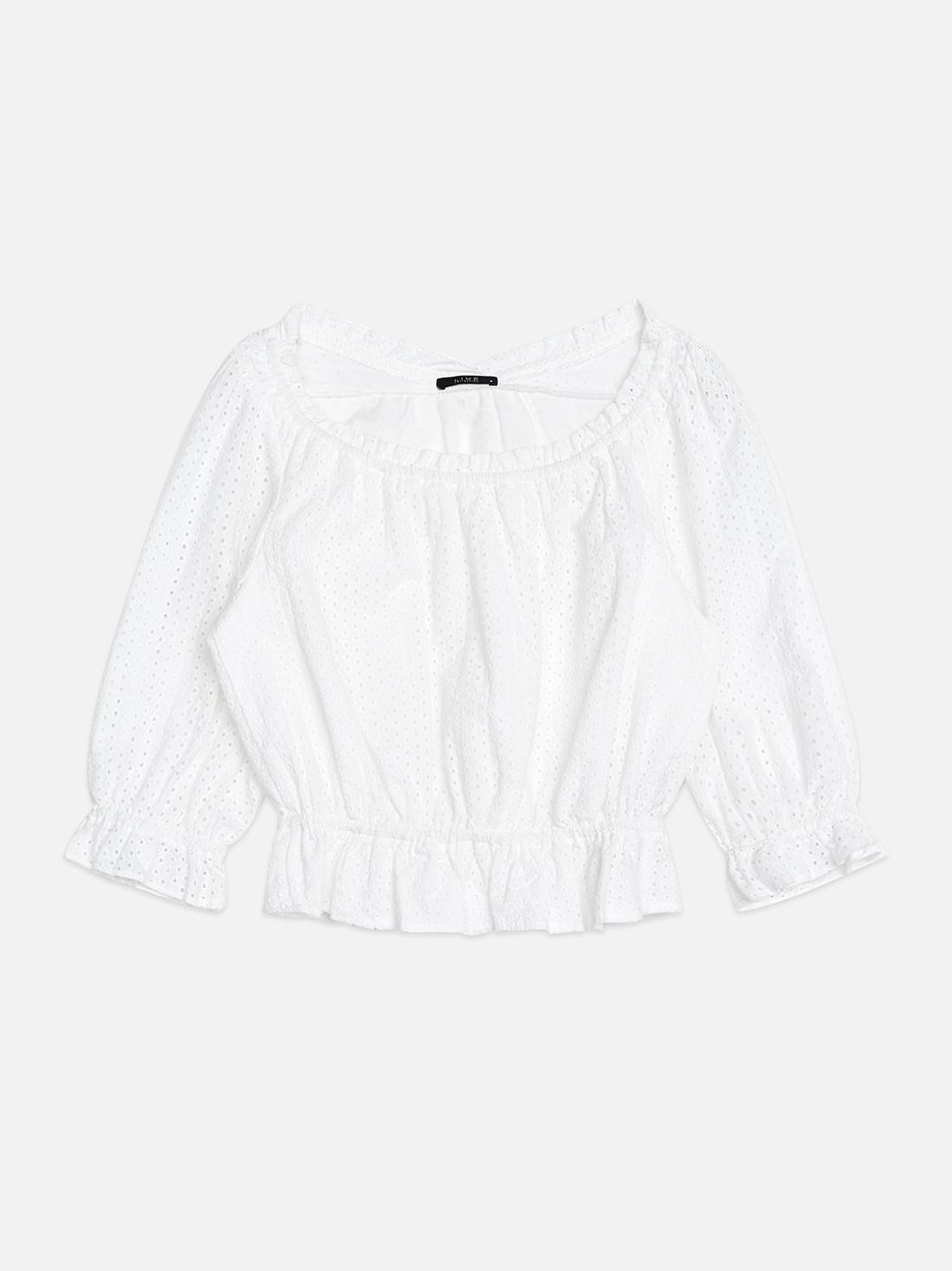 Блузка с открытыми плечами и эластичным низом