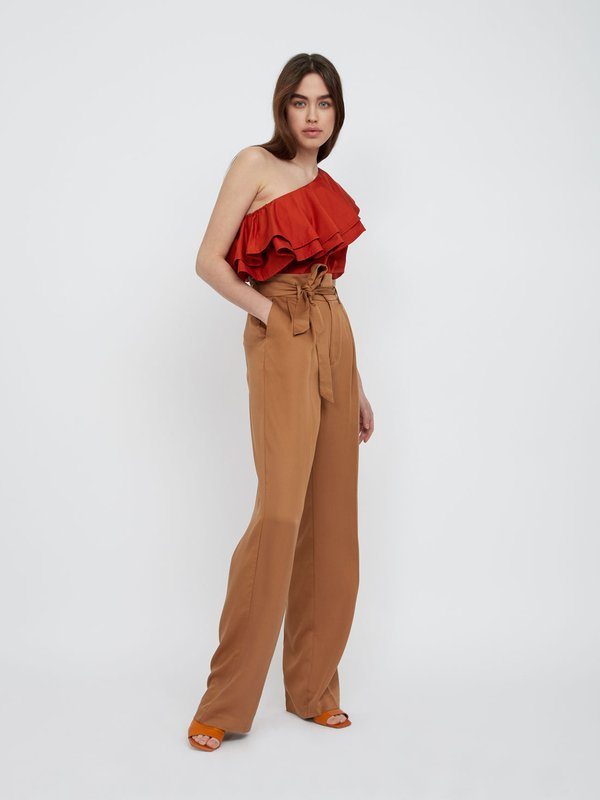 Прямые брюки с фигурным поясом