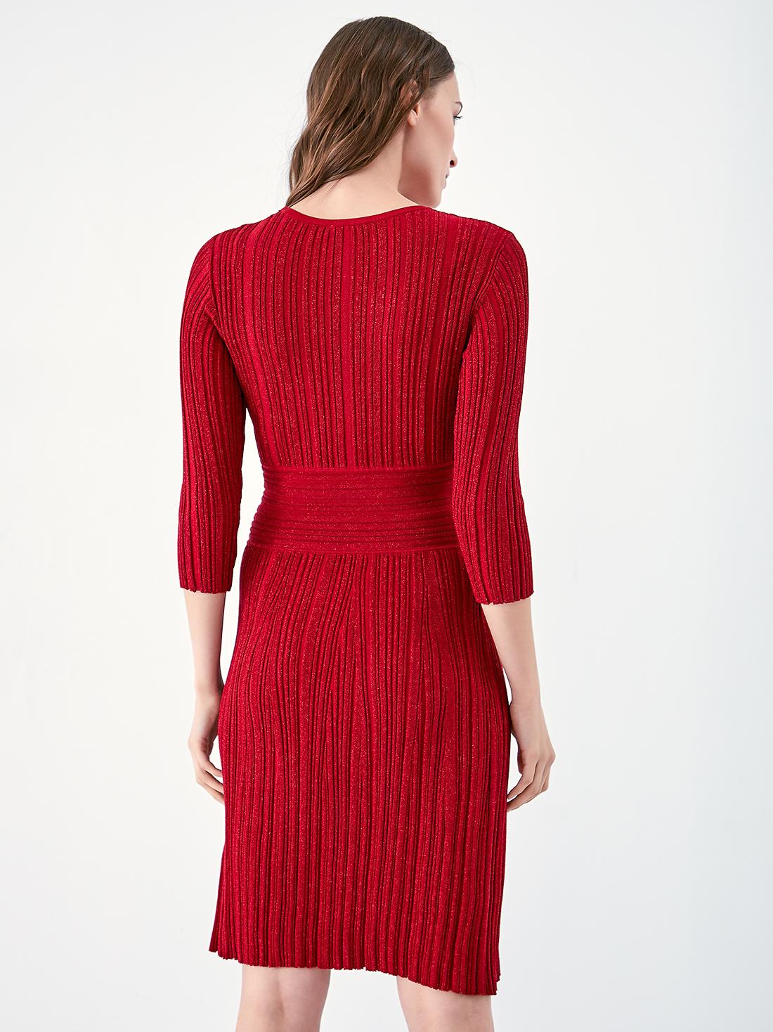 Трикотажное платье с люрексом