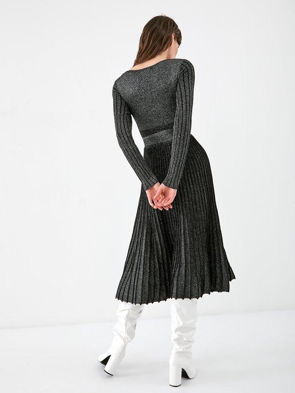 Платье с люрексом  вид сзади