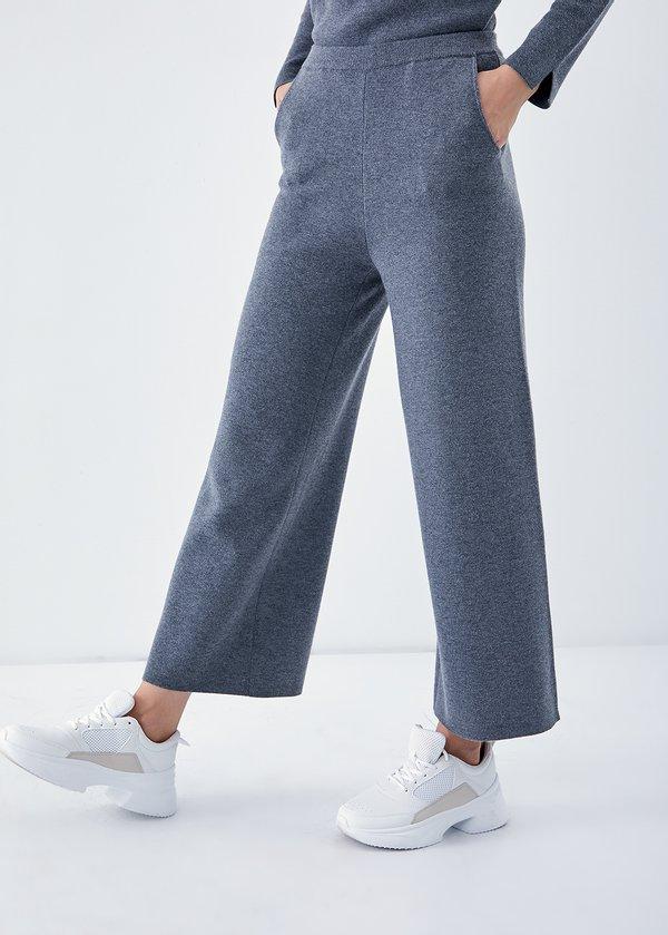 Сводобные трикотажные брюки