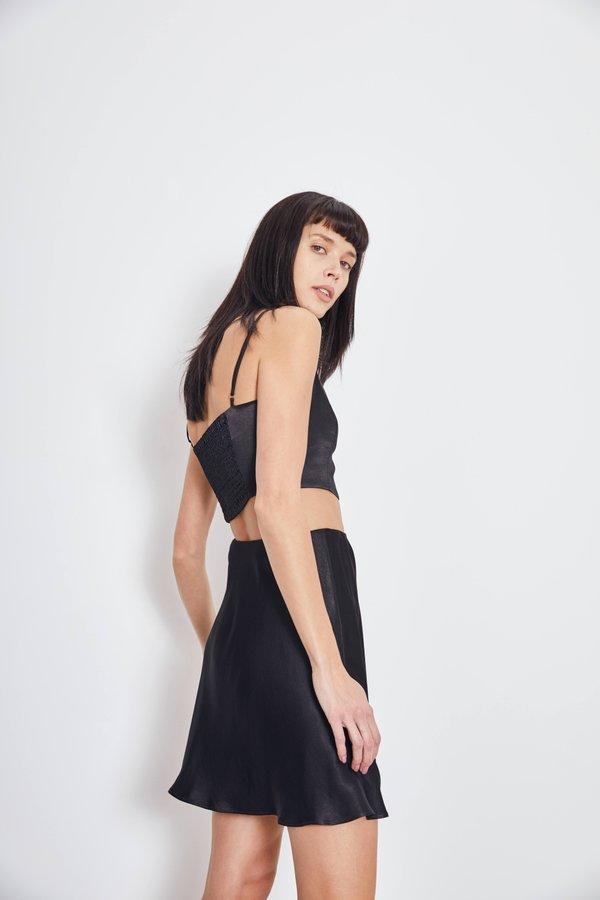 Мини-юбка из вискозы вид сзади