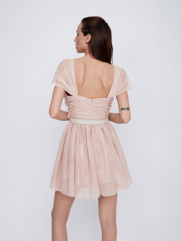 Платье с драпировками вид сзади