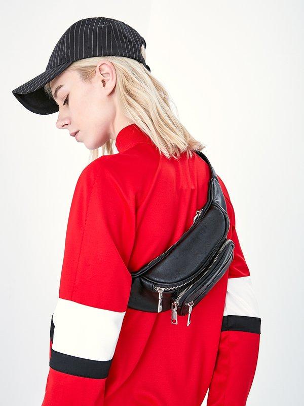 Поясная сумка с карманами вид сзади