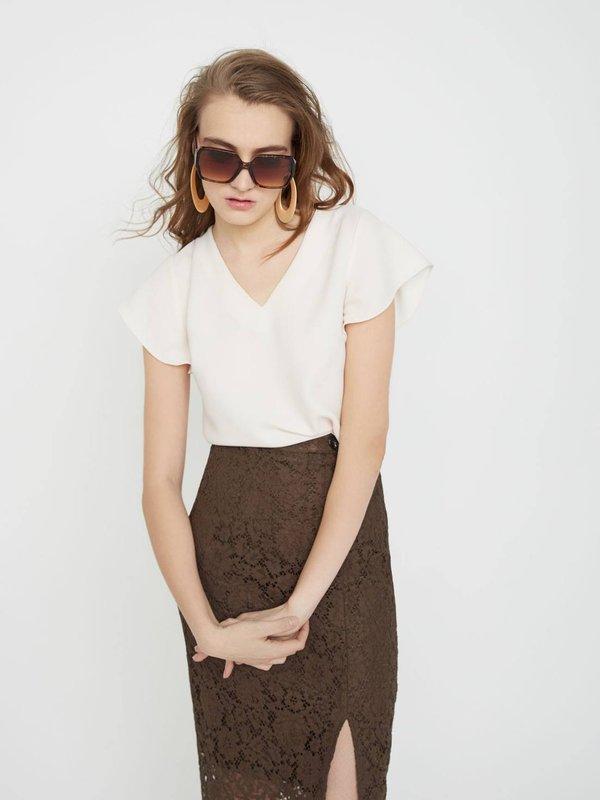 Блузка с V - образным вырезом