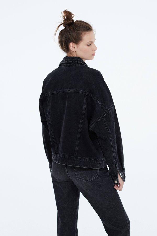Куртка из денима вид сзади