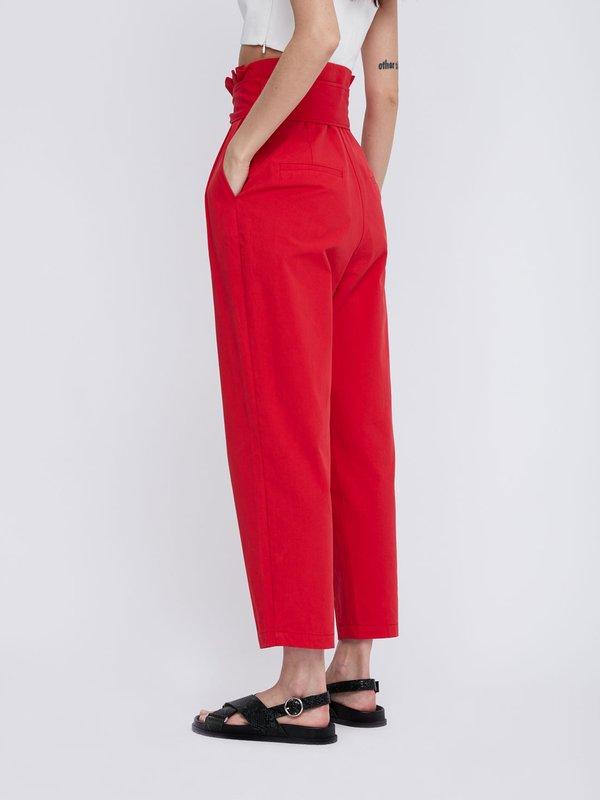 Укороченные брюки из хлопка с поясом вид сзади