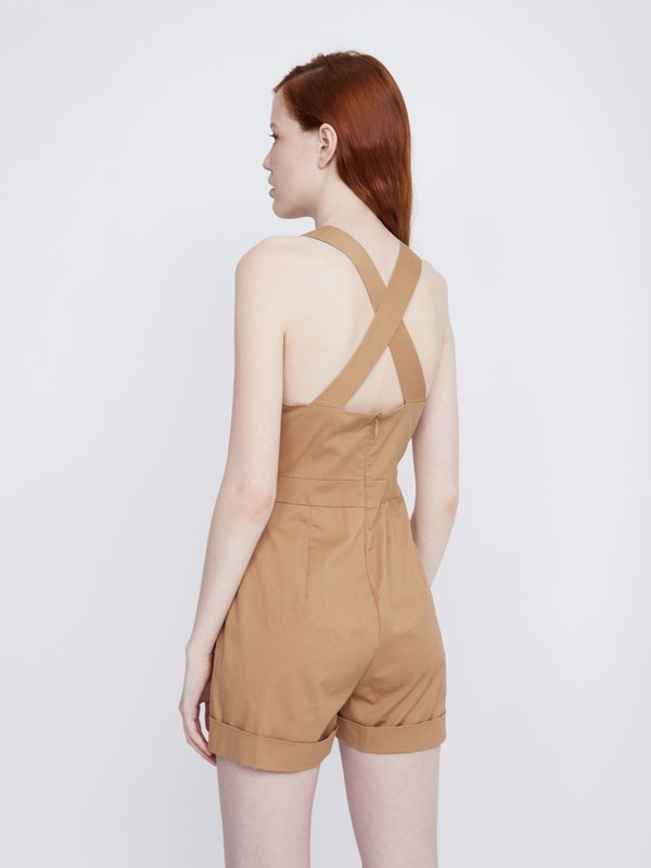 Комбинезон с накладными карманами вид сзади