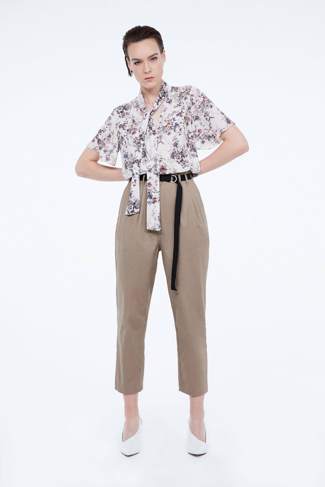 Блузка А-силуэта с завязками
