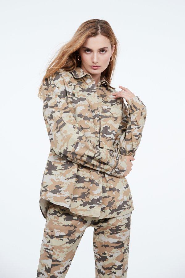 Рубашка в стиле милитари