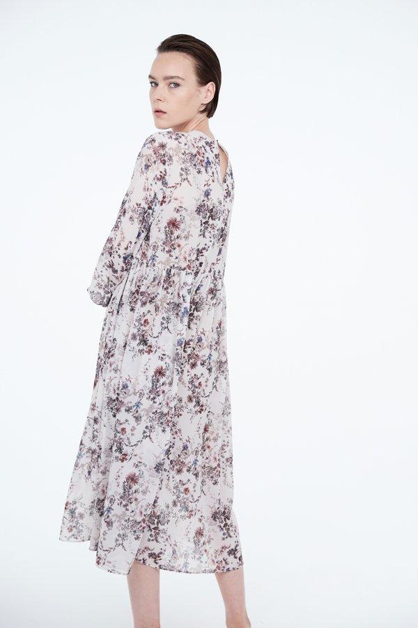 Воздушное платье макси  вид сзади