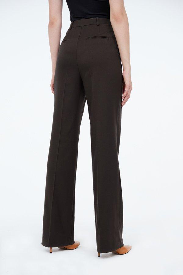 Расклешеные брюки вид сзади
