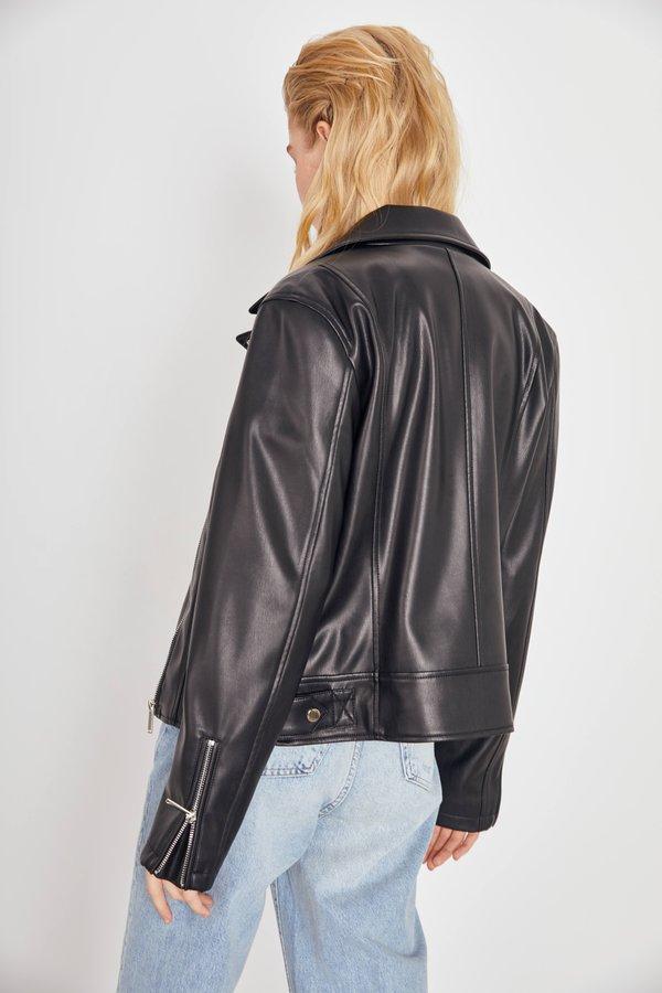 Куртка из искусственной кожи вид сзади